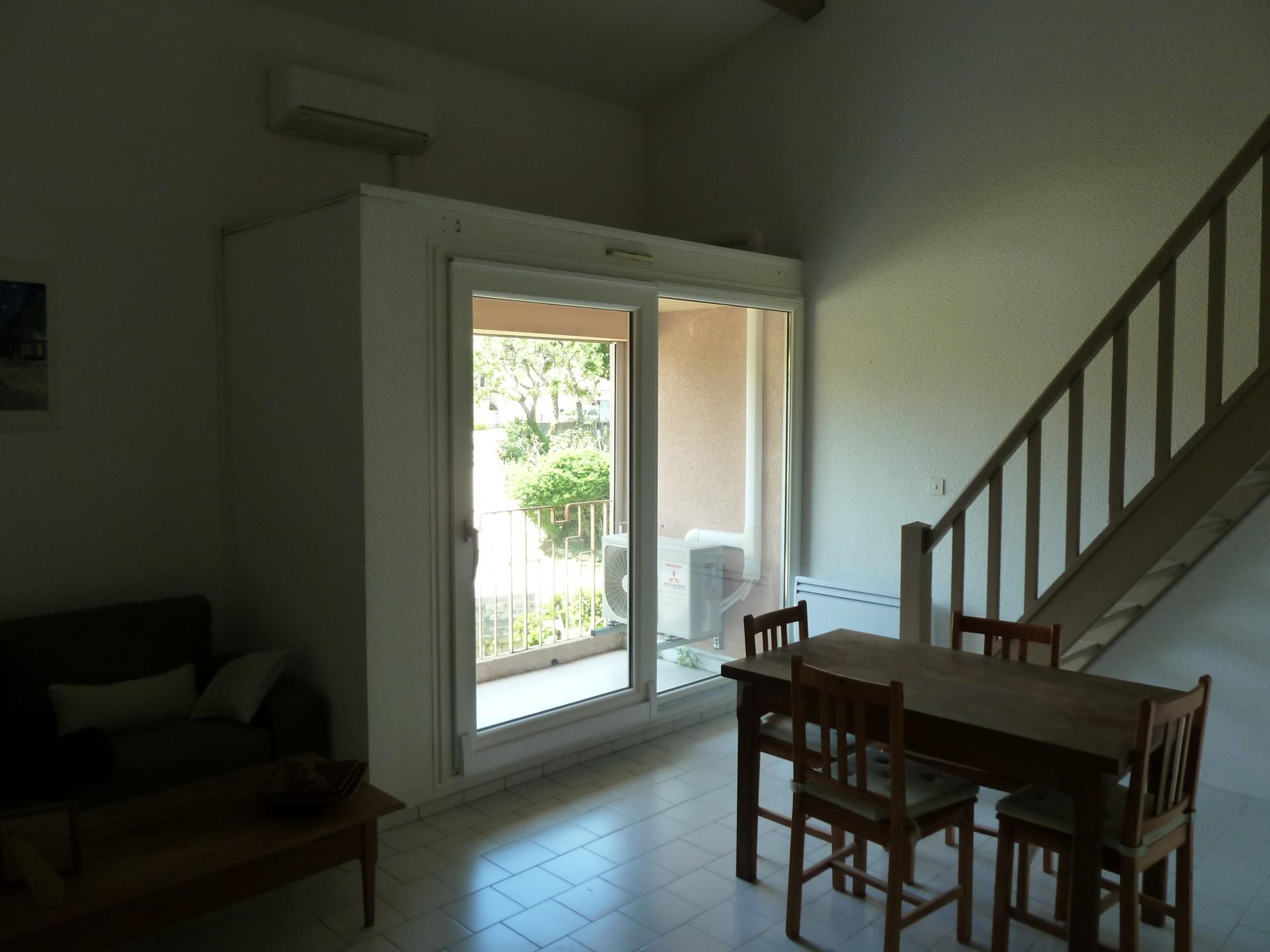 installation d 39 une baie vitr e coulissante translation eguilles 13 afp 13. Black Bedroom Furniture Sets. Home Design Ideas