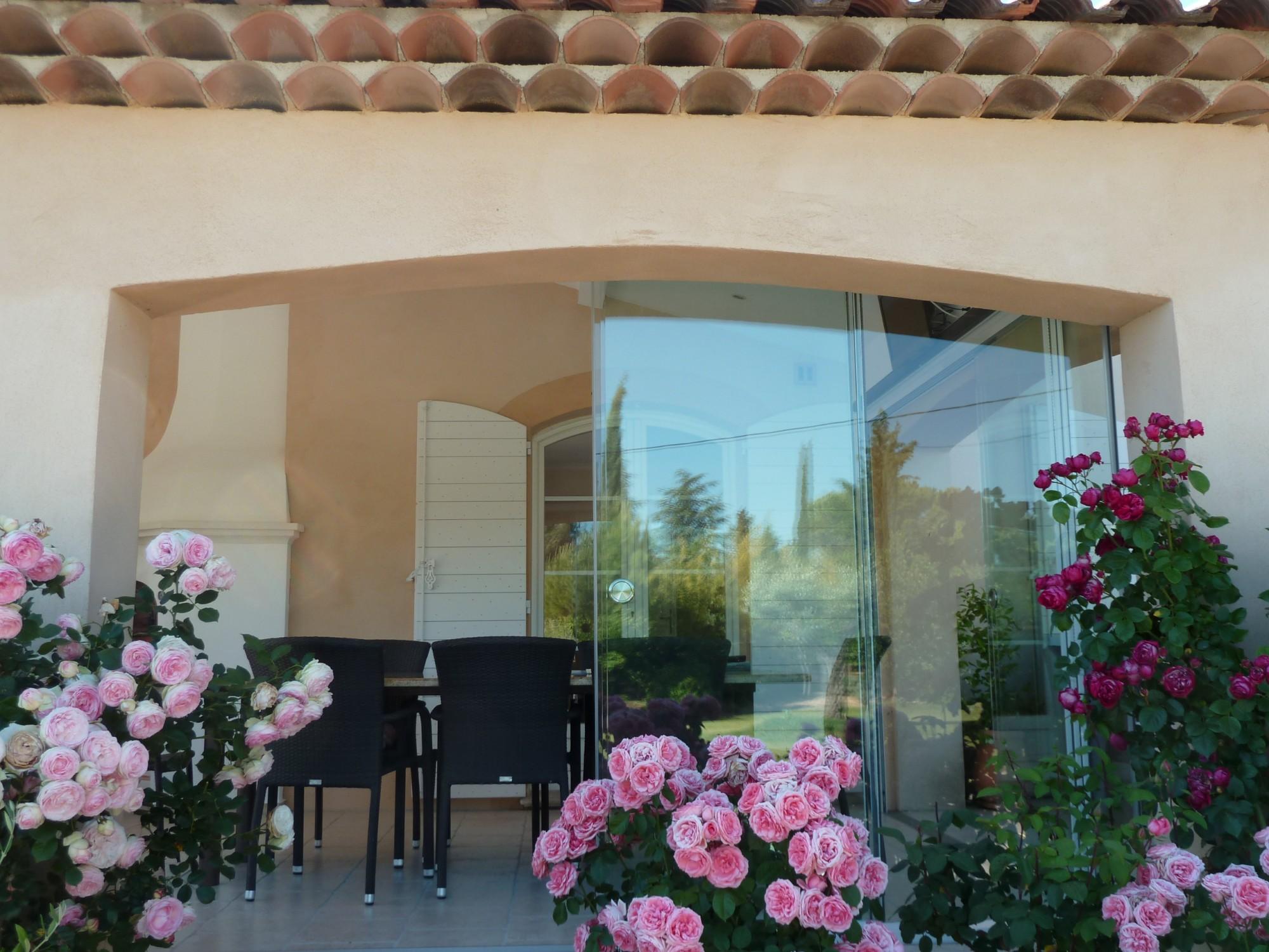 comment fermer une terrasse couverte en provence afp 13. Black Bedroom Furniture Sets. Home Design Ideas
