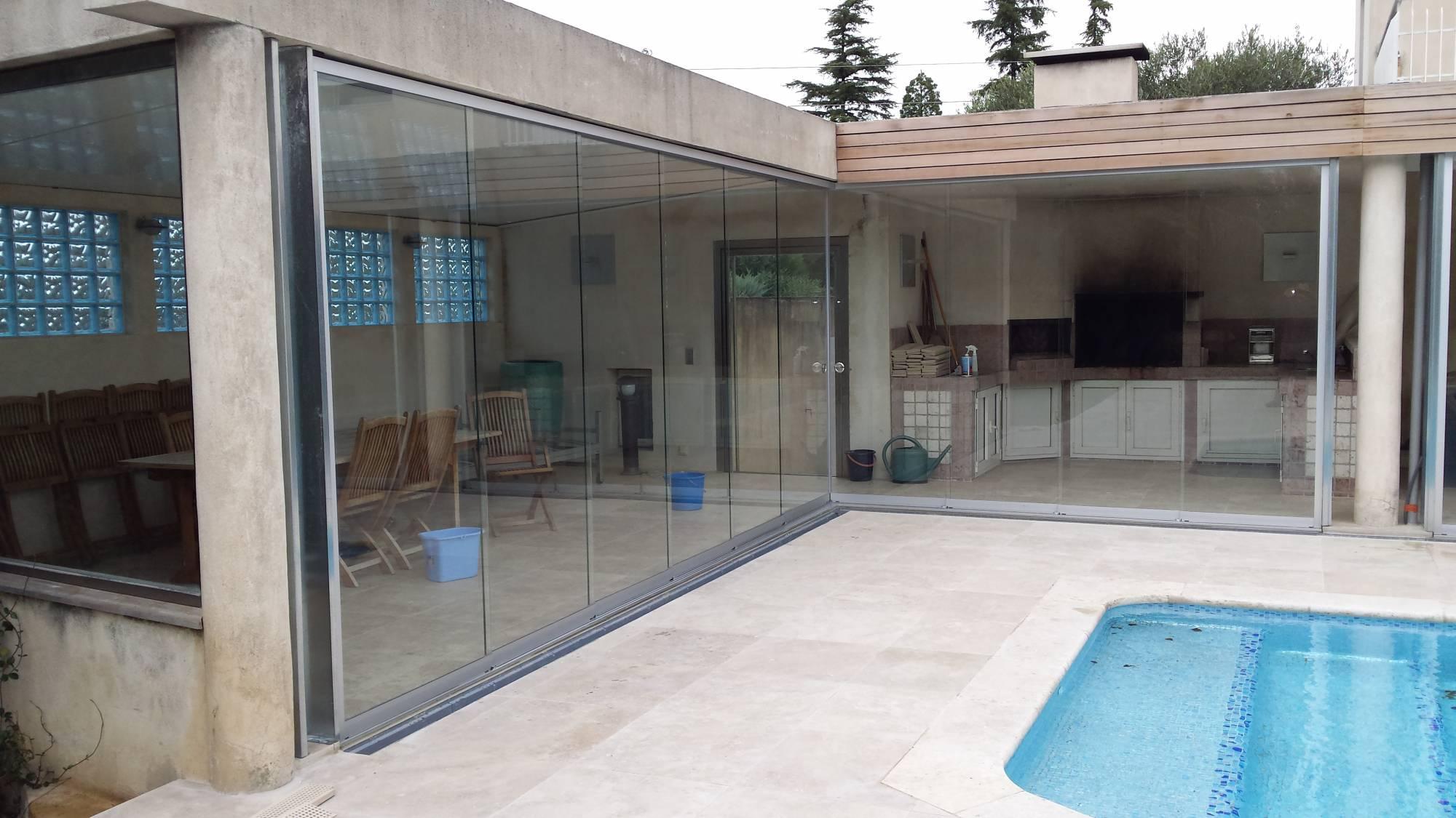 pose de store banne pour protection de terrasse avignon afp 13. Black Bedroom Furniture Sets. Home Design Ideas